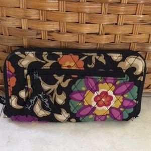 Vera Bradley Suzani zip-around wallet/wristlet